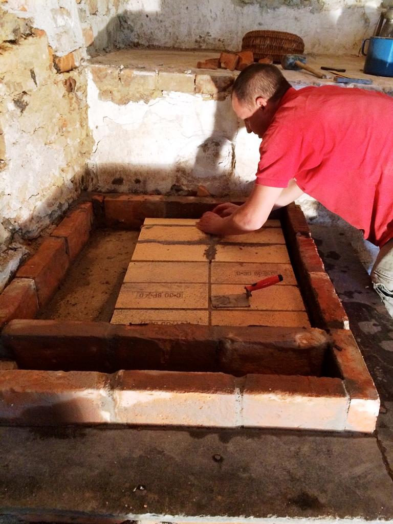 Praktický workshop Jak se staví akumulační kamna ve Šluknově (2016)